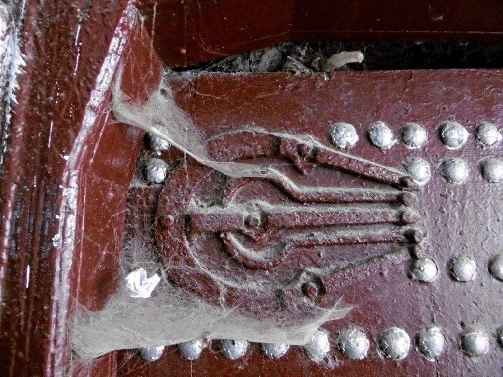 puerta-mano-fatima